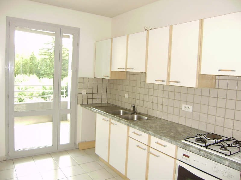 Location appartement Le puy en velay 699,79€ CC - Photo 2