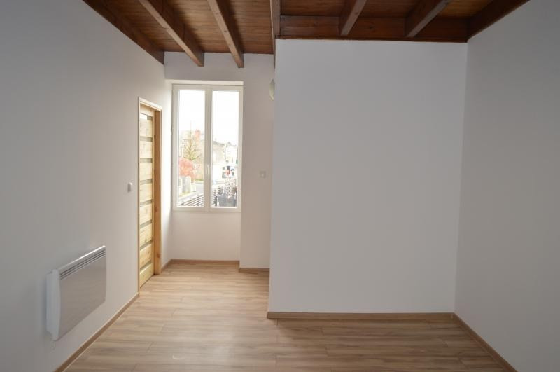 Rental house / villa Niort 612€ CC - Picture 9