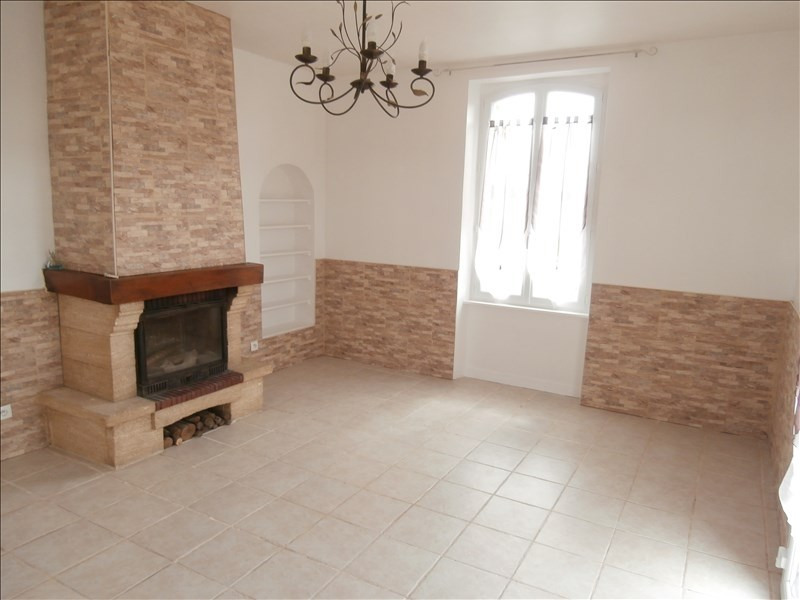 Rental house / villa Clecy 630€ CC - Picture 1