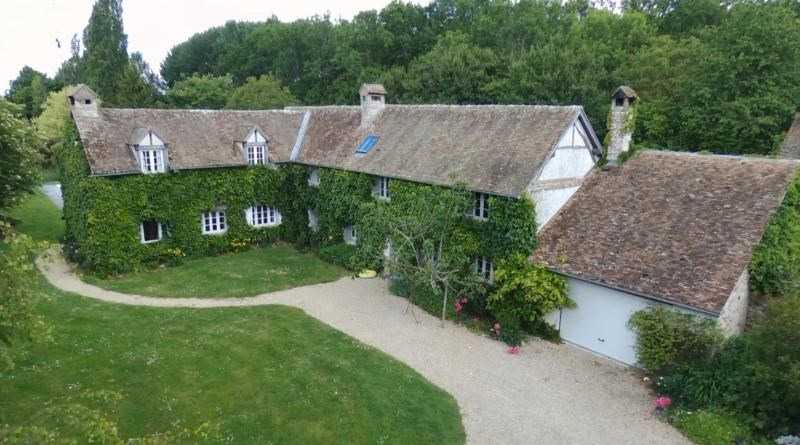 Deluxe sale house / villa Houdan 1170000€ - Picture 1