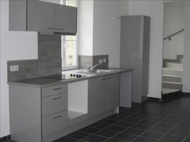 Rental apartment 29350 466€ CC - Picture 1