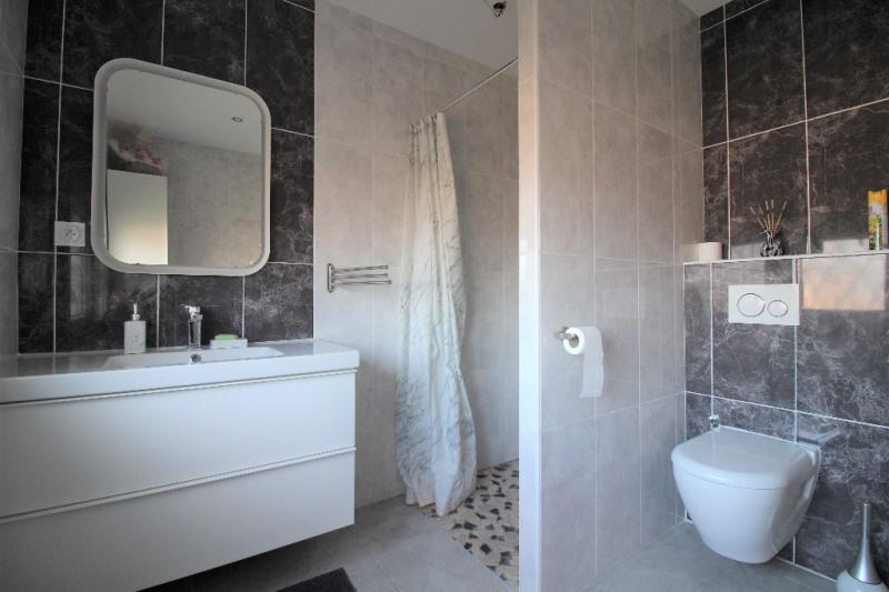 Sale house / villa Le pont de beauvoisin 274000€ - Picture 7