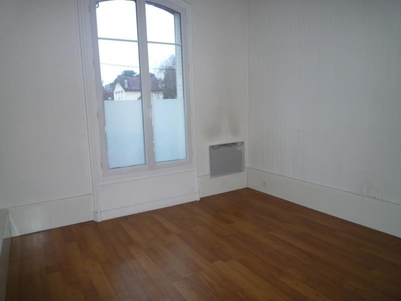 Rental apartment Le raincy 745€ CC - Picture 6