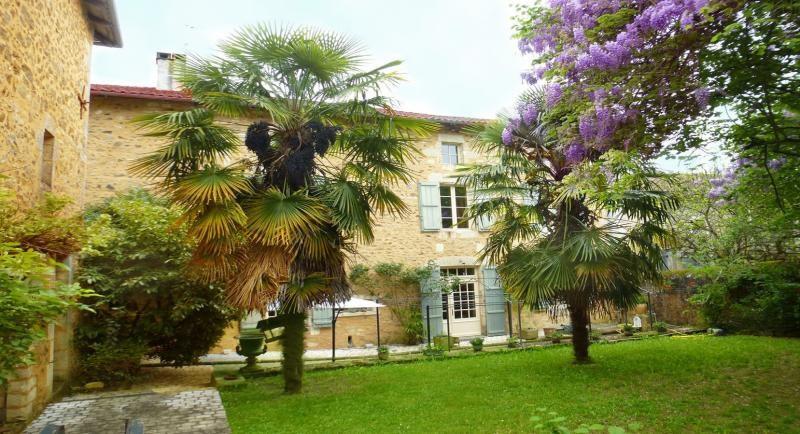 Maison bourgeoise nontron - 12 pièce (s) - 549.42 m²