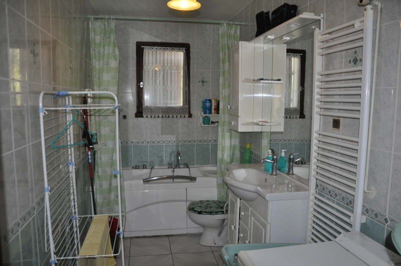 Sale house / villa St maurice l exil 279000€ - Picture 5