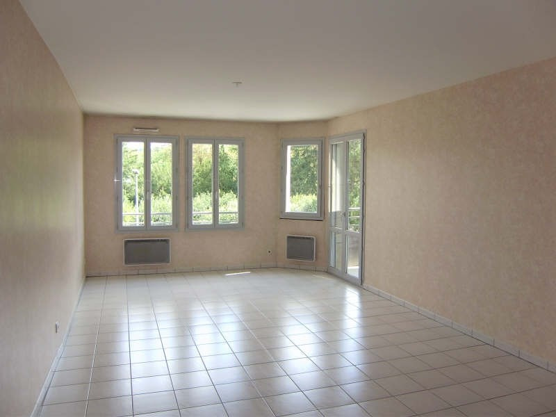 Location appartement Le puy en velay 699,79€ CC - Photo 3