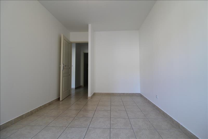 Rental apartment Izeaux 580€ CC - Picture 3