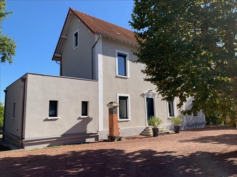 Deluxe sale house / villa Riorges 572000€ - Picture 3