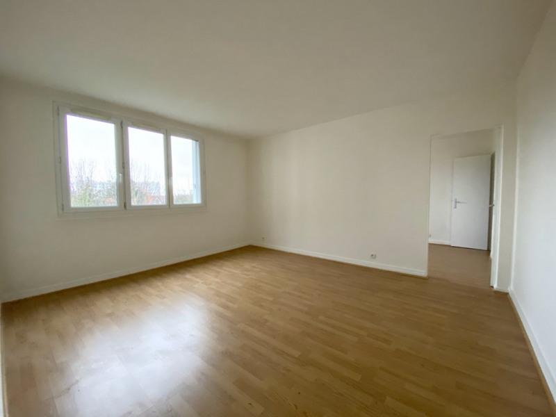 Sale apartment Saint germain en laye 220000€ - Picture 1
