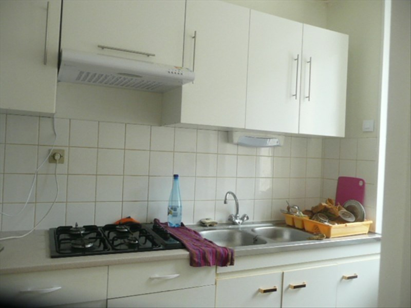 Location maison / villa Henrichemont 304€ CC - Photo 2