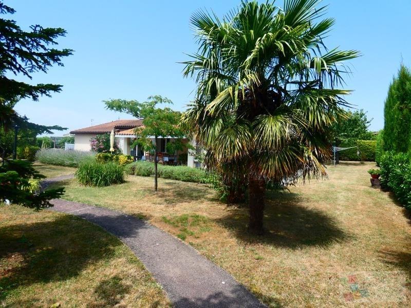 Sale house / villa Foussignac 246100€ - Picture 2
