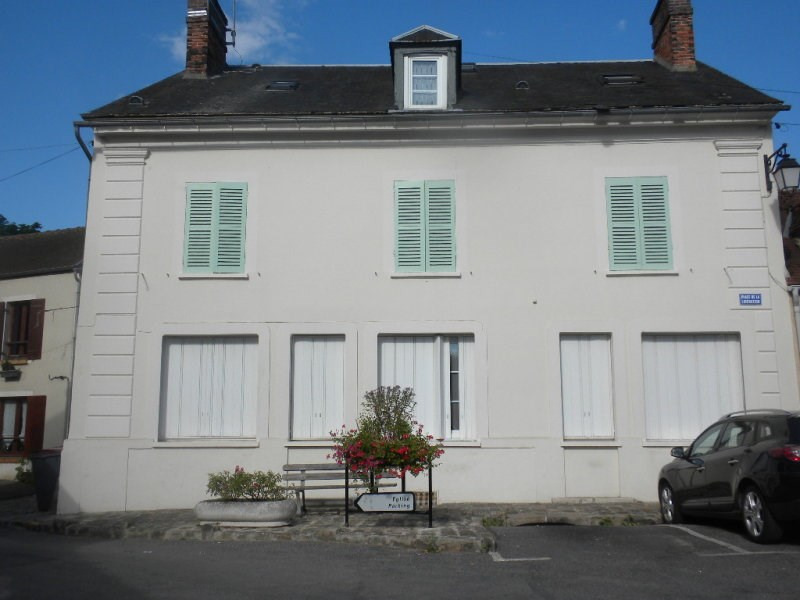 Rental apartment Chamarande 650€ CC - Picture 1