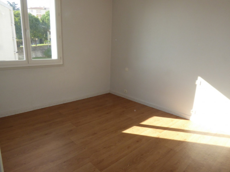 Location appartement Aubenas 400€ CC - Photo 6