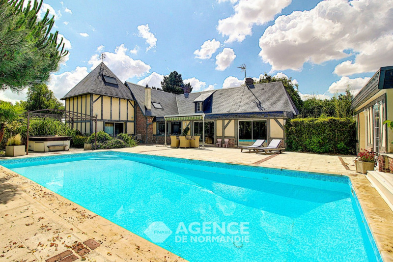 Deluxe sale house / villa Bernay 350000€ - Picture 1