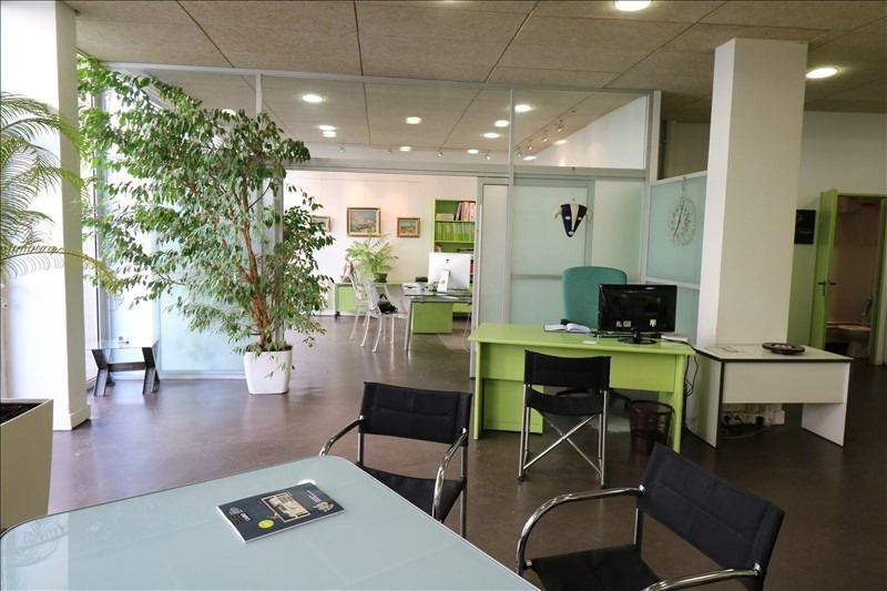 Location local commercial Viroflay 1116€ HT/HC - Photo 2