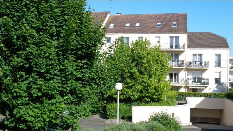 Location appartement Montgeron 842€ CC - Photo 2