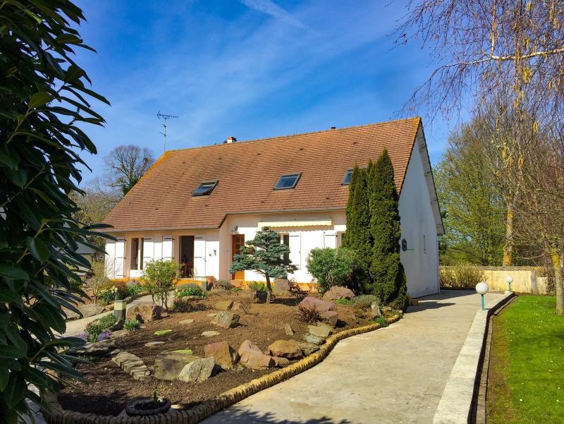 Sale house / villa Ver sur mer 349900€ - Picture 1