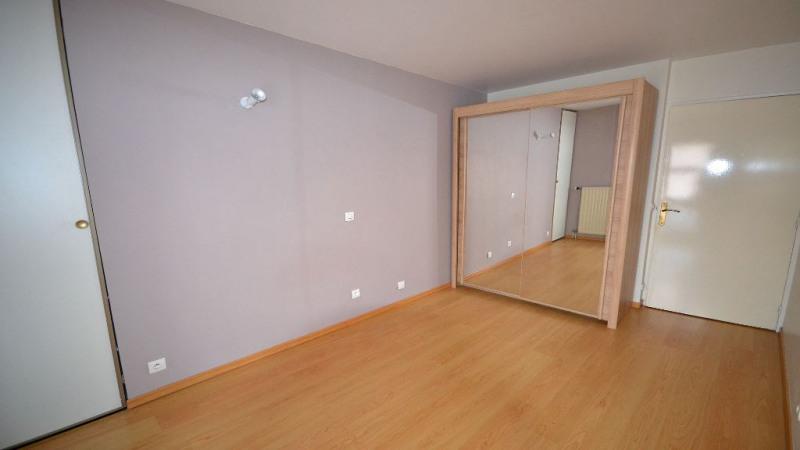 Rental apartment Plaisir 793€ CC - Picture 3