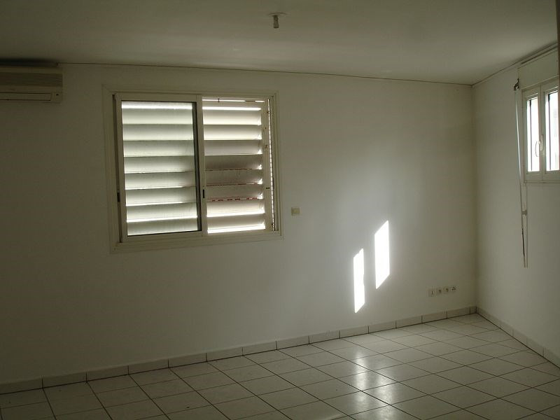 Location appartement Ste clotilde 343€ CC - Photo 4