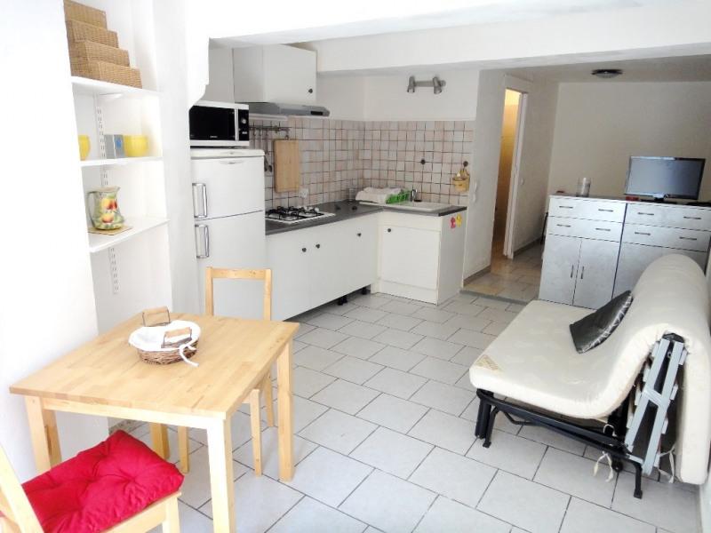 Location appartement Saint-mitre-les-remparts 440€ CC - Photo 1