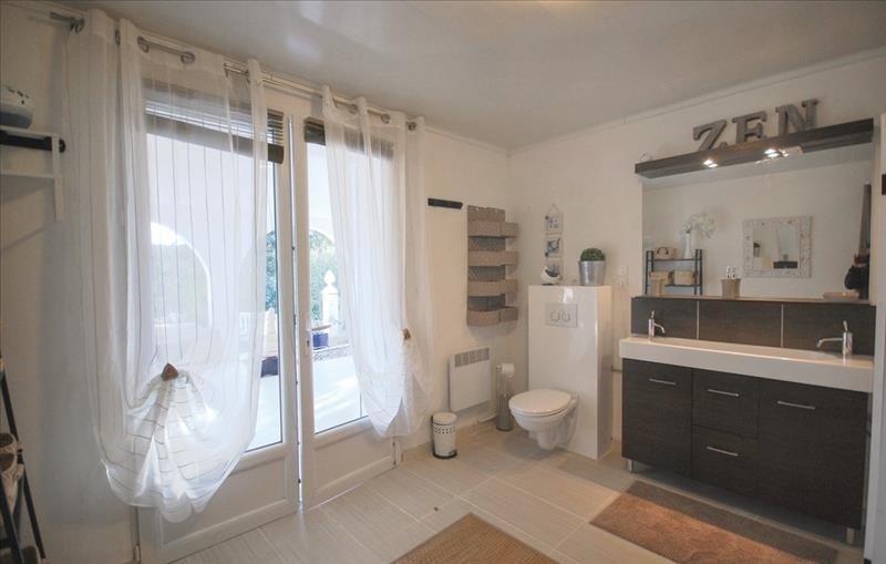 Deluxe sale house / villa Les issambres 699000€ - Picture 9