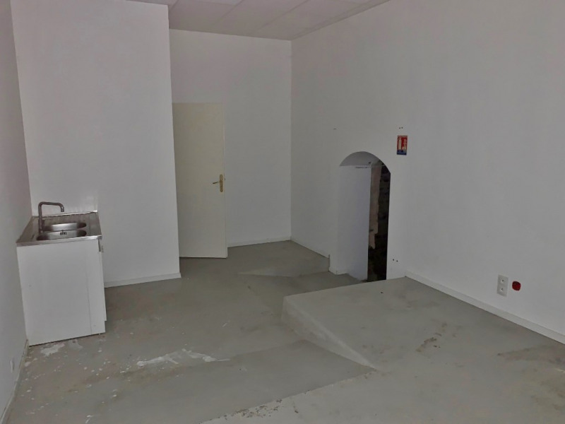 Location boutique La cote st andre 1 200€ CC - Photo 5