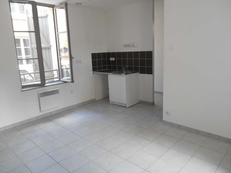 Location appartement Poitiers 575€ CC - Photo 2