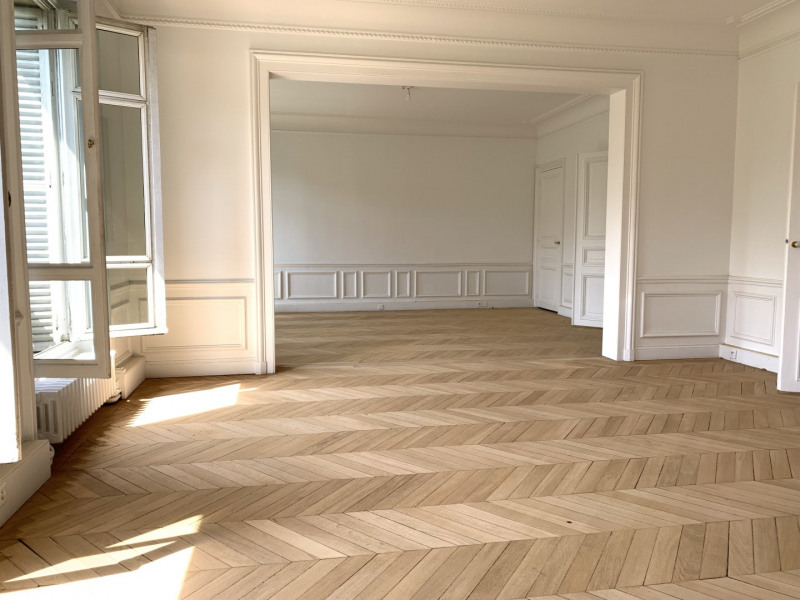 Rental apartment Paris 17ème 5 741€ CC - Picture 1