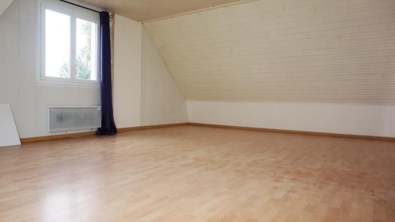 Sale house / villa Breval 250000€ - Picture 7