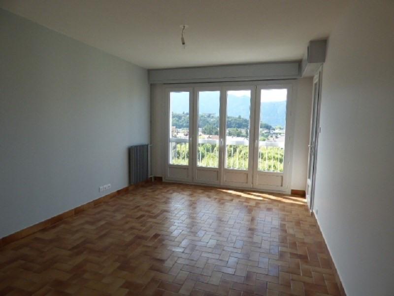 Rental apartment Aix les bains 930€ CC - Picture 1