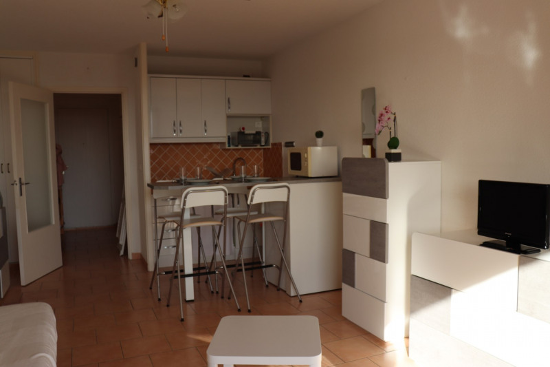 Location vacances appartement Cavalaire 350€ - Photo 5