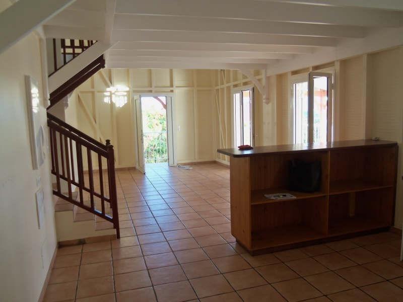 Rental apartment St francois 1100€ CC - Picture 3