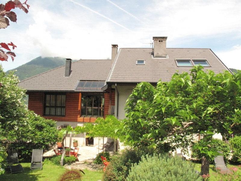 Deluxe sale house / villa Annecy 625000€ - Picture 1