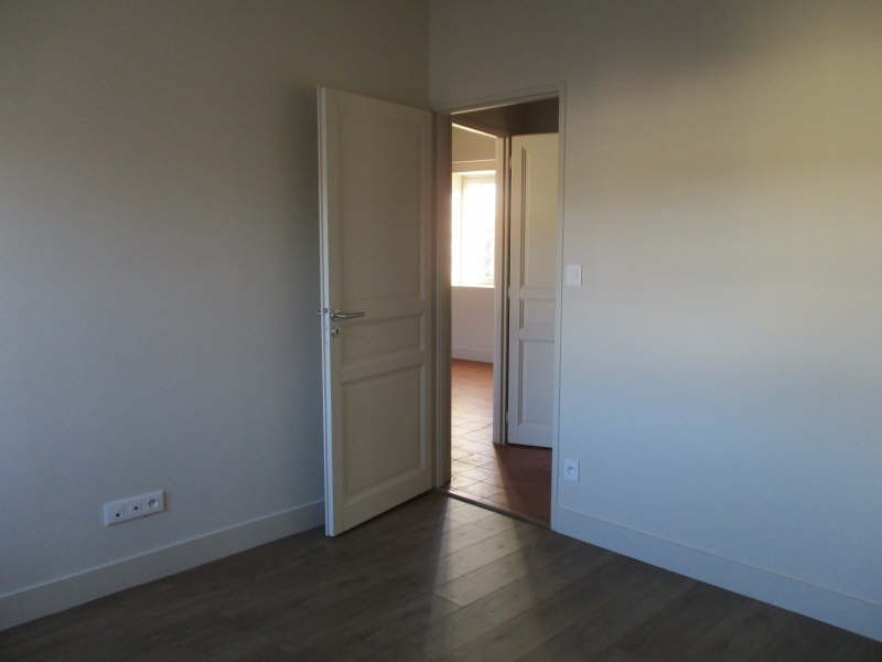 Location appartement Nimes 540€ CC - Photo 7