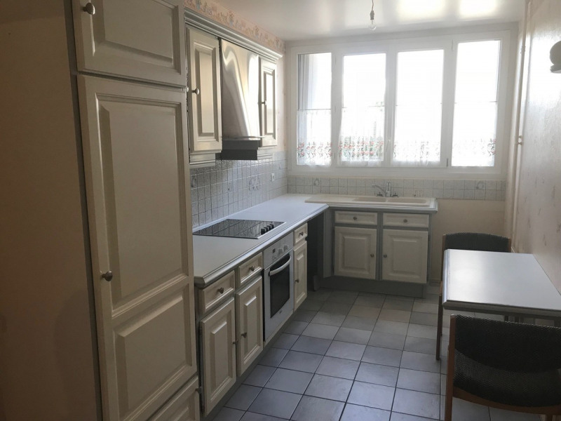 Rental apartment Rambouillet 1 190€ CC - Picture 1