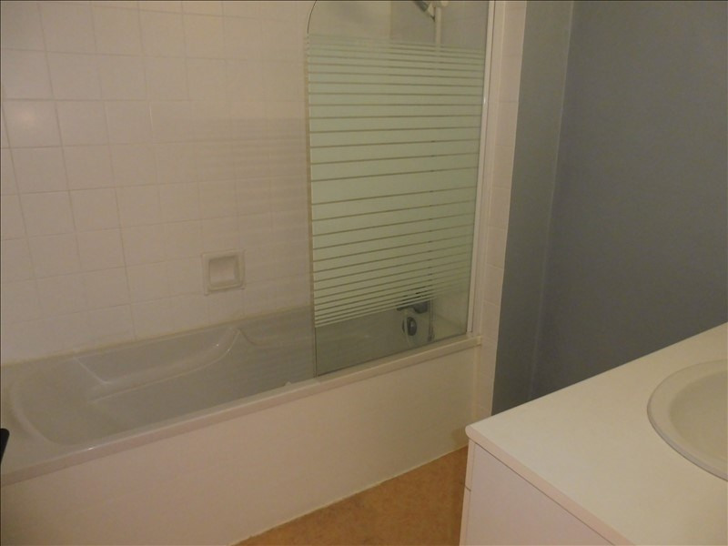 Sale apartment La roche sur yon 101 600€ - Picture 3