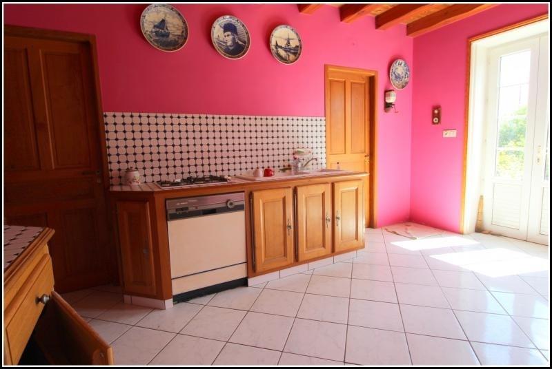 Sale house / villa Fontenay le comte 125000€ - Picture 4