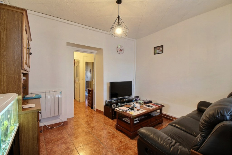 Sale apartment Oloron sainte marie 70 200€ - Picture 2