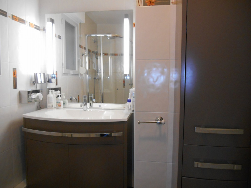 Revenda apartamento Vienne 240000€ - Fotografia 4