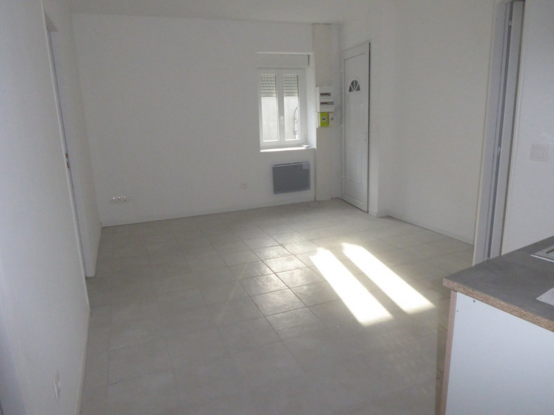 Location appartement Saint-étienne-de-fontbellon 490€ CC - Photo 11