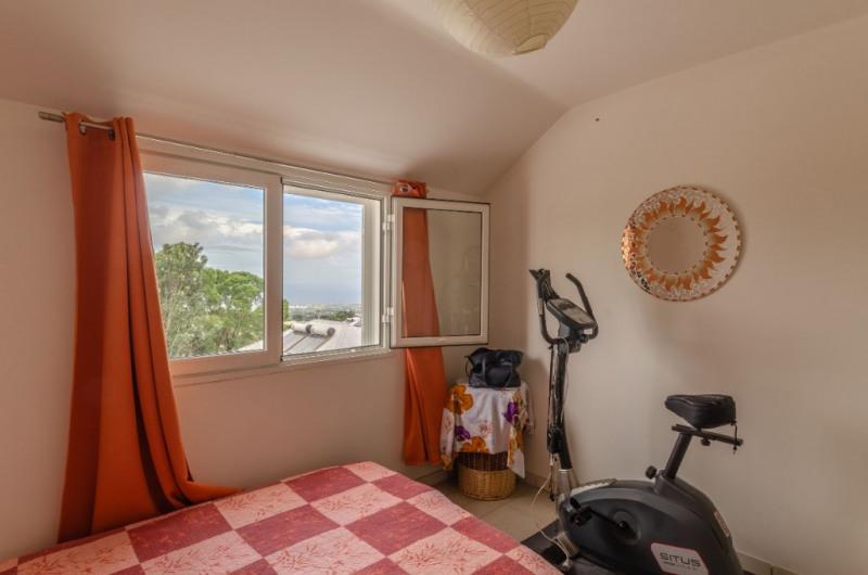 Sale apartment Le tampon 133000€ - Picture 7
