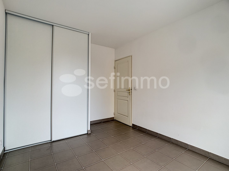 Location appartement Marseille 5ème 697€ CC - Photo 3