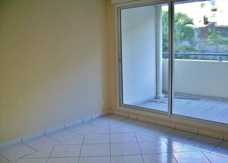 Locação apartamento Saint denis 534€ CC - Fotografia 2