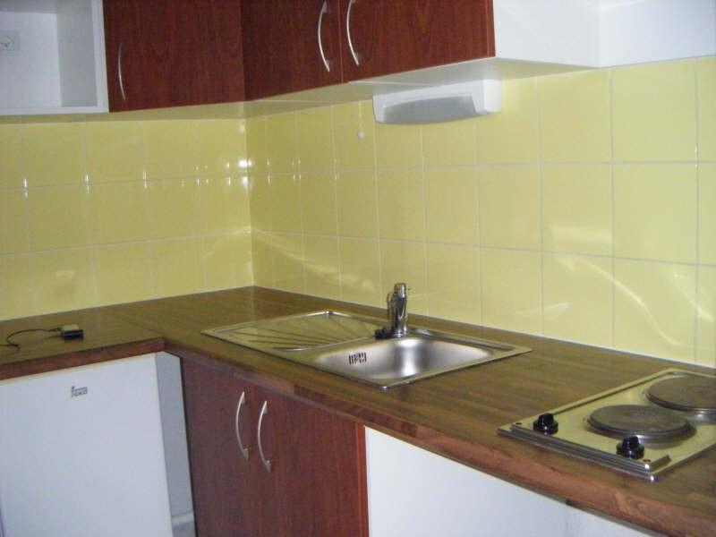 Location appartement Balaruc les bains 613€ CC - Photo 3