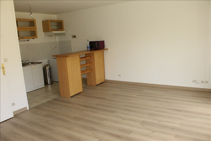 Rental apartment Osny 768€ CC - Picture 1