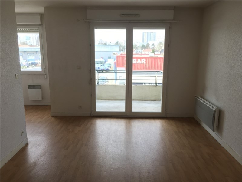 Location appartement Poitiers 472€ CC - Photo 1