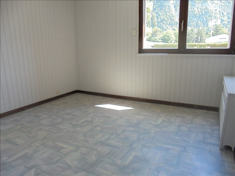 Location appartement Cluses 750€ CC - Photo 3