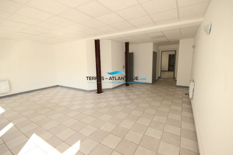 Location local commercial Quimper 1 150€ CC - Photo 2