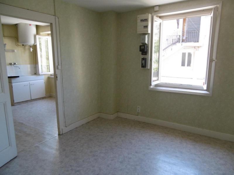 Location appartement Ste foy l'argentiere 370€ CC - Photo 3