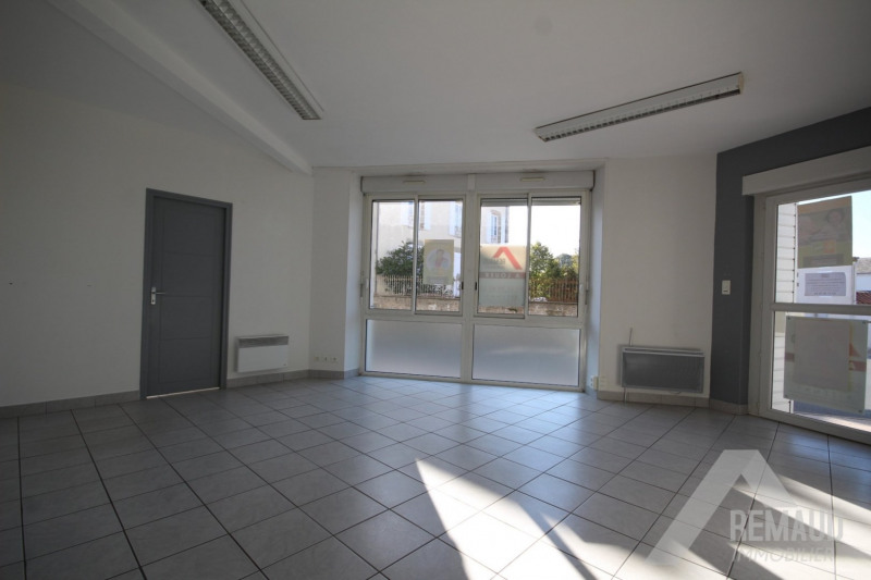 Location local commercial Aizenay 550€ HT/HC - Photo 3